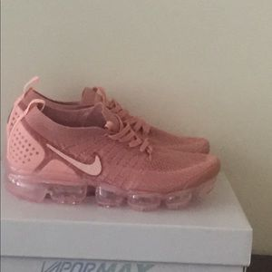 Women Nike Air Vapormax Flyknit 2